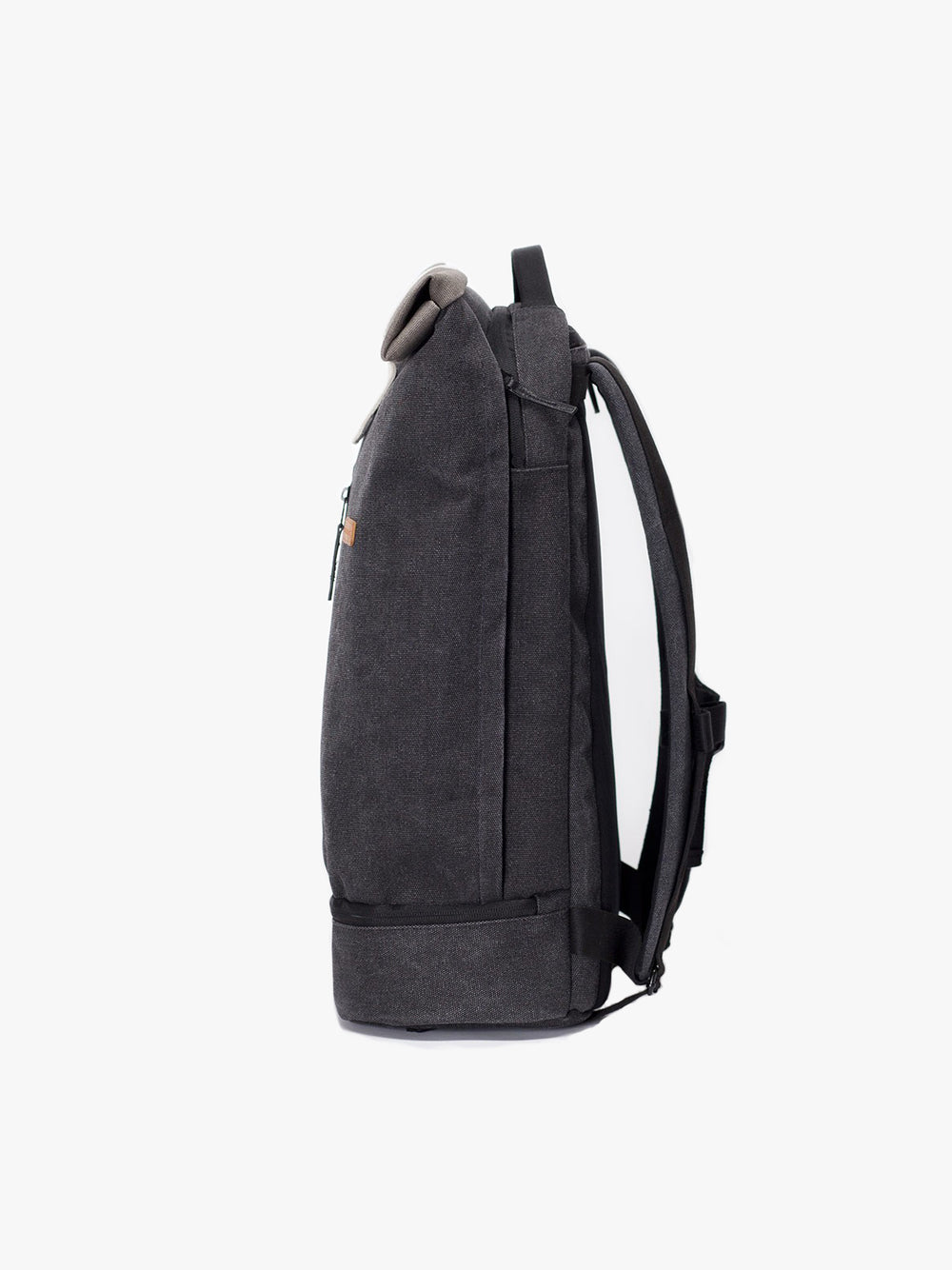 Flexible Hajo Pro backpack for work and leisure. Multiple compartments.