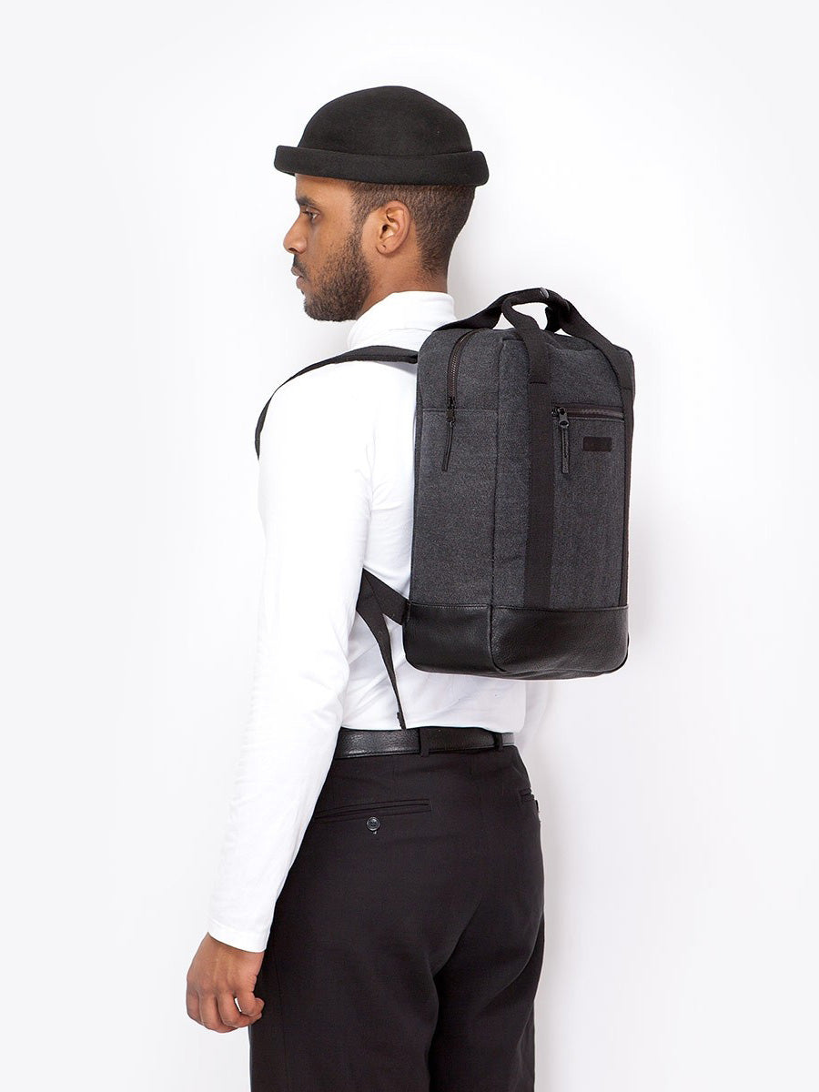 Ison compact urban backpack by Ucon Acrobatics. Free shipping in Europe at okkaido.it