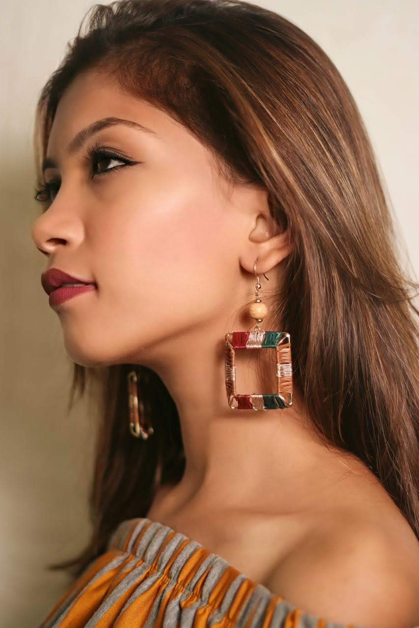 Raffia Royal Color Beaded With Metal Earring