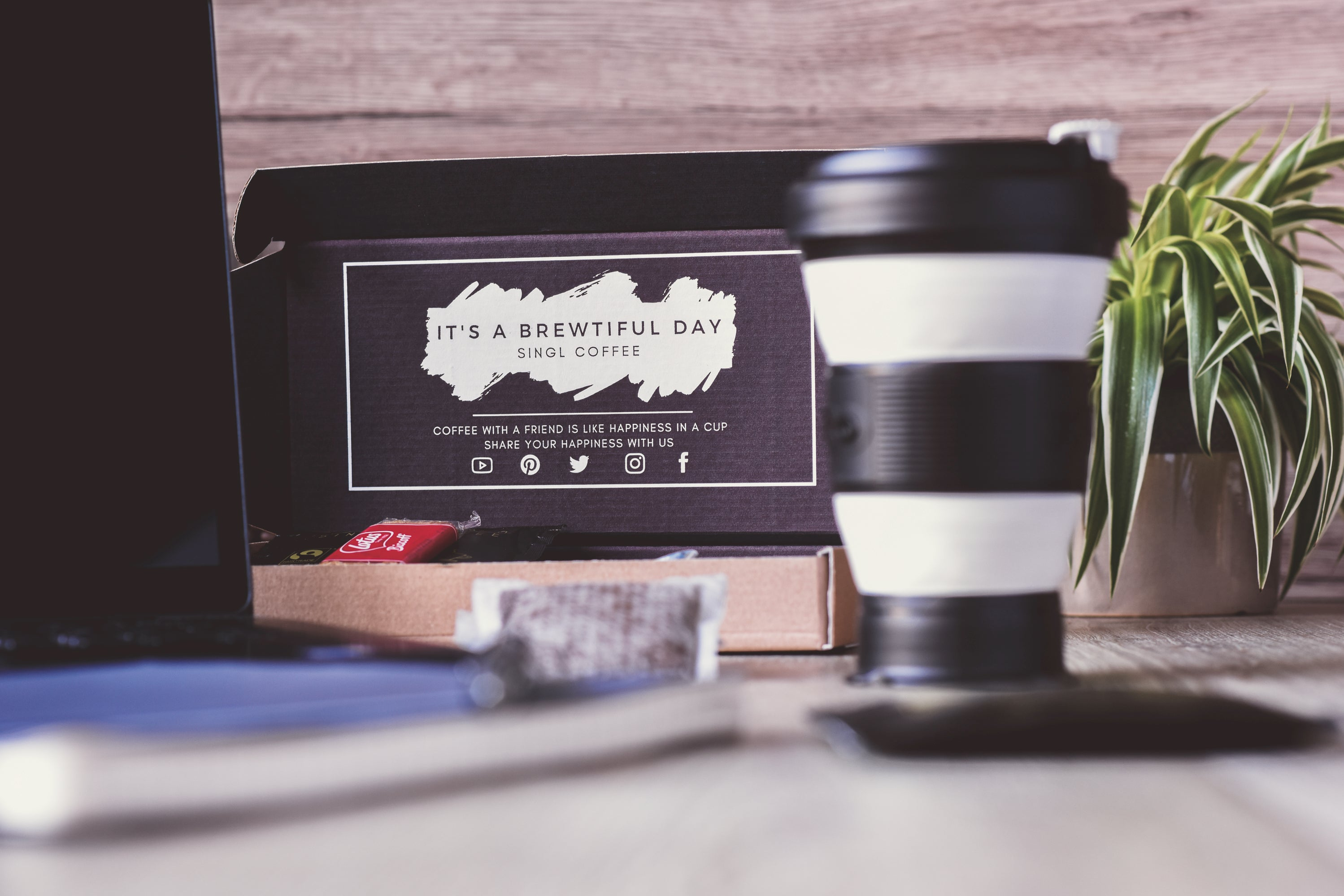 blackberry Pokito cup and singl coffee box