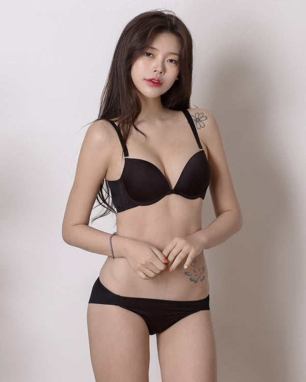 BLACK BASIC PLUNGE BRA - Bada Korea
