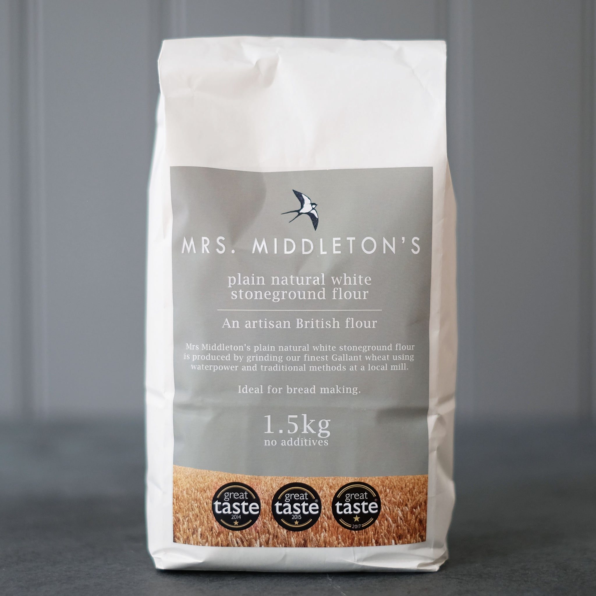 Plain natural white stoneground flour