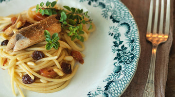 Pair your wine: Spaghetti with mackerel, cherry tomatoes, pine nuts and raisins