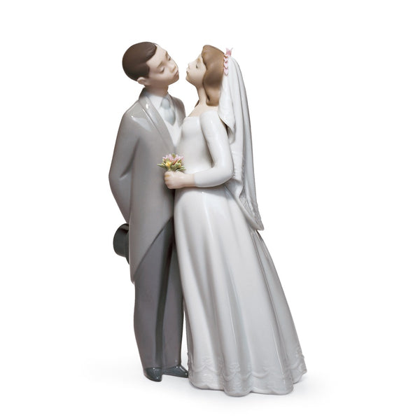 Lladro A Kiss To Remember 01006620