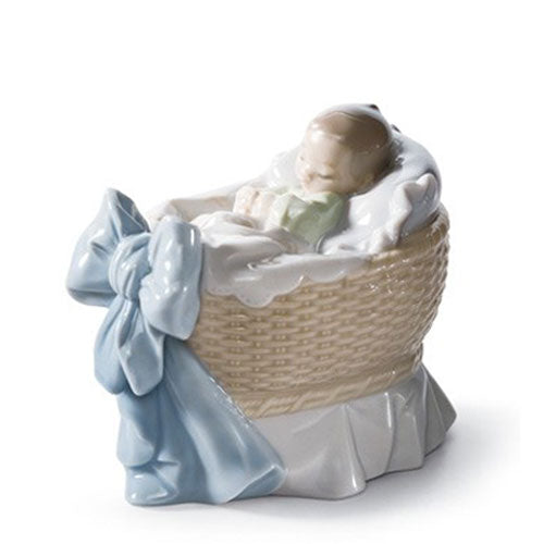 Lladro A New Treasure - Boy 01006976