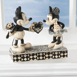 Disney Traditions Real Sweathearts - Mickey & Minnie 4009260