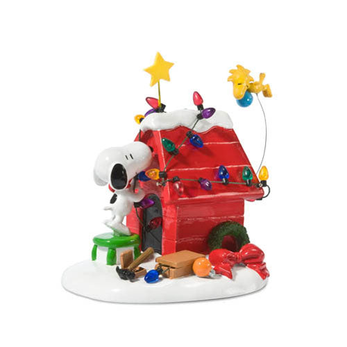 D56 Snoopy & Woodstock Decorating Dog House 808960