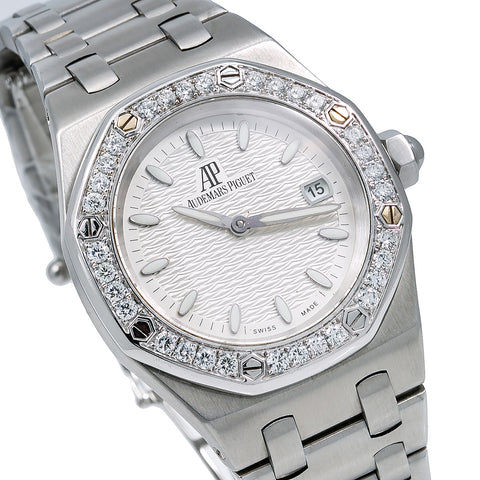 Audemars Piguet Royal Oak Lady 	67651ST.ZZ.1261ST.01 33MM Silver Dial With Stainless Steel Bracelet