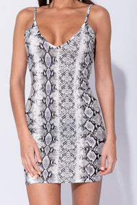 Black White Snake Print Plunge Neck Bodycon Mini Dress - Parisian-uk
