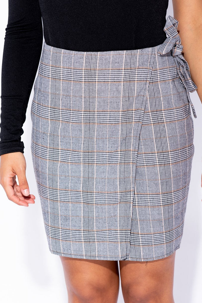 Black Beige Checked Wrap Over Side Tie Skirt - Parisian-uk
