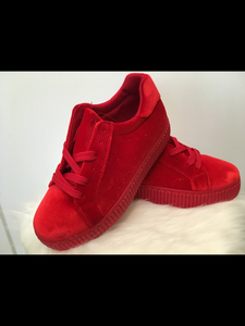 Basket velours rouge