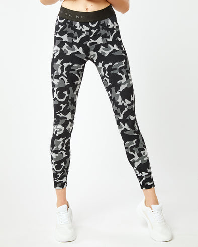 Camo Knockout Crop Legging