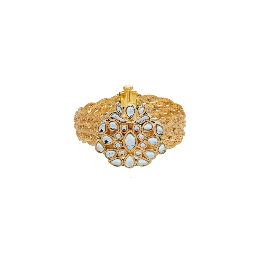 Kundan kara, intricately woven in 22k gold