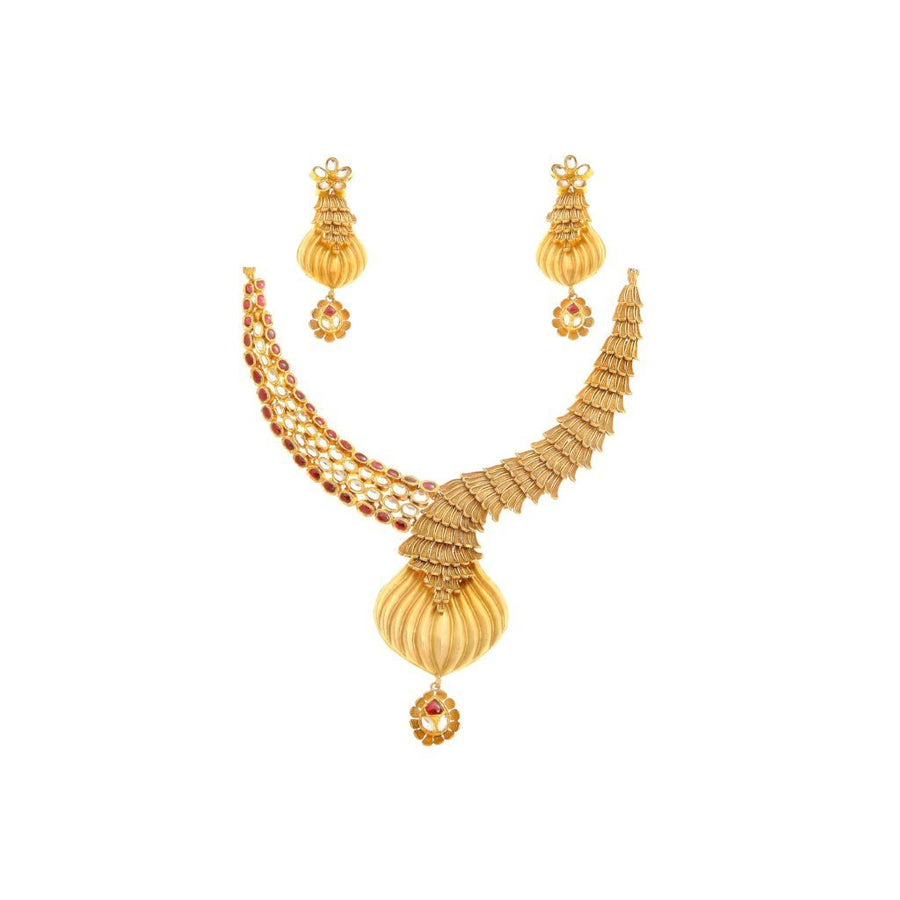 Gorgeous Kundan Set with Exquisite Craftsmanship in 22k gold