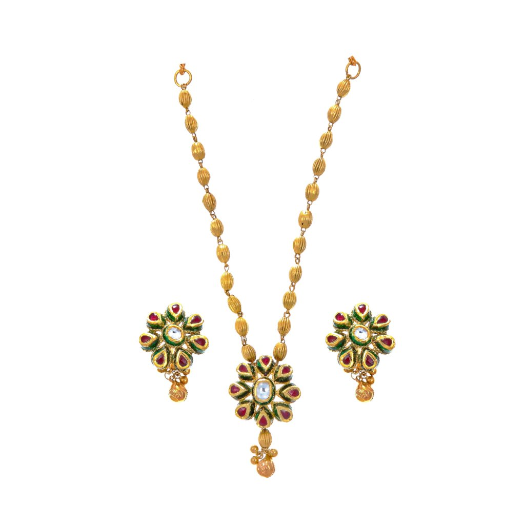Absolutely stunning necklace set finished with red and green mina work made in 22k gold