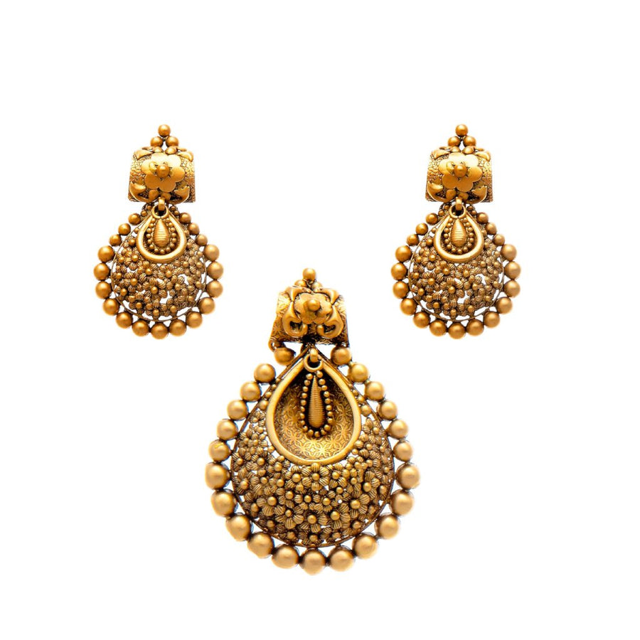 Antique Finish Gold Pendant Set in 22k Gold