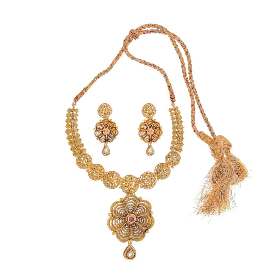 Skillfully crafted kundan necklace set with Cubic Zirconia, made in 22 karat gold