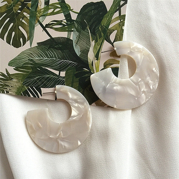 Pálido Cream White Cloud Resin Acrylic Earrings