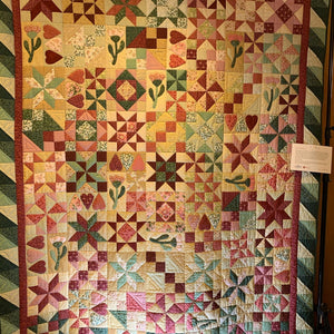Holiday Quilt Show and Auction 2019