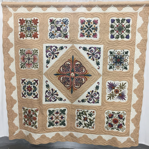 Hand applique quilt by Ilene King