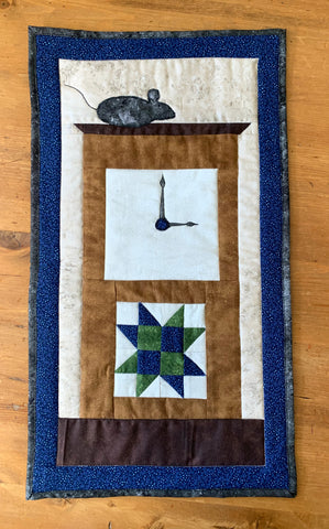 Hickory Dickory Dock Mini Quilt