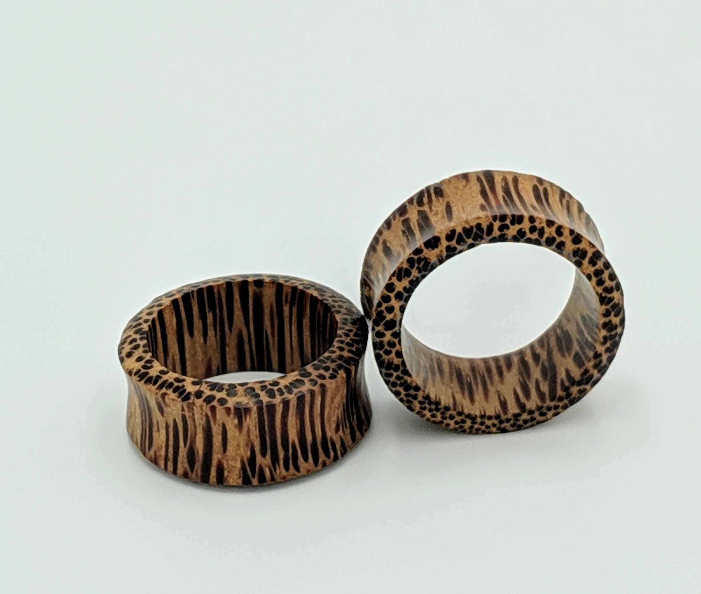 "1+1/4"" DF Coconut Wood Eyelets"