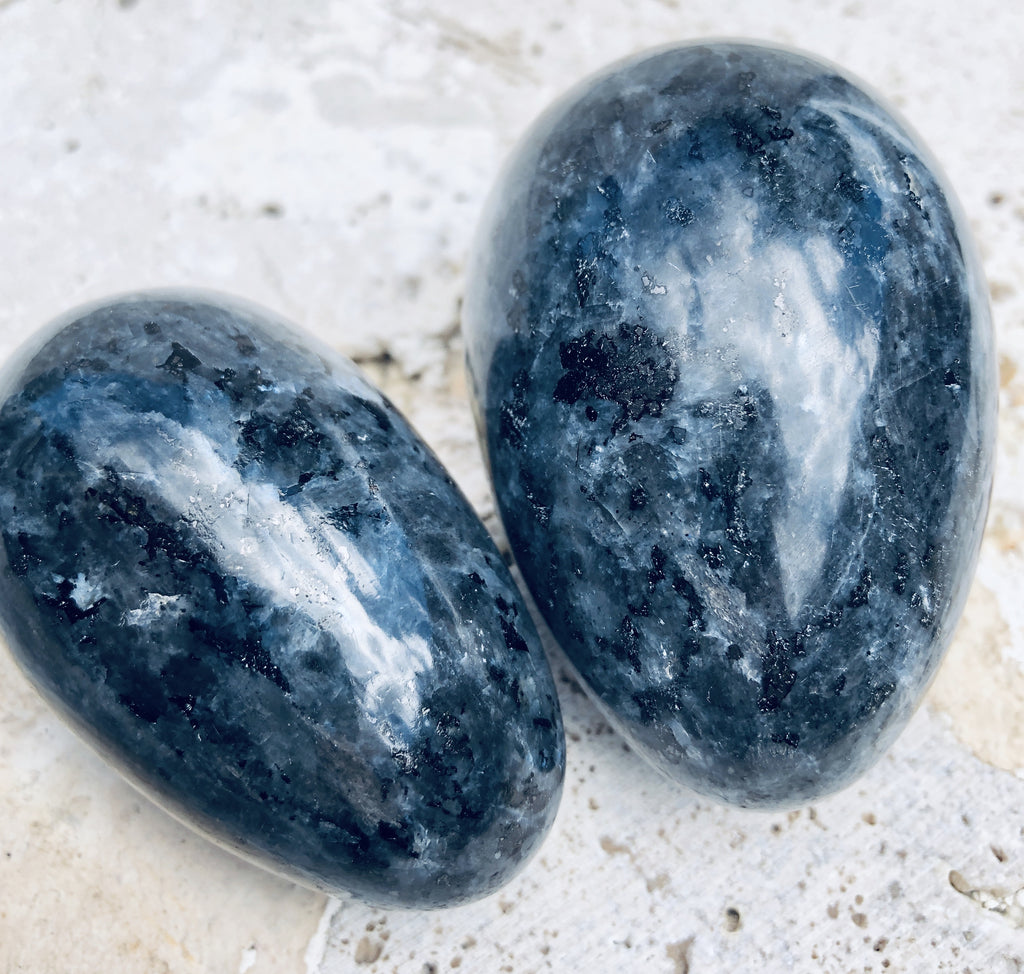 Larvikite Eggs from India