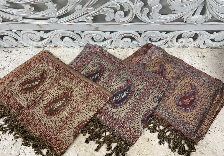 Silky Soft Pashmina Scaves w Traditional Paisley patterns
