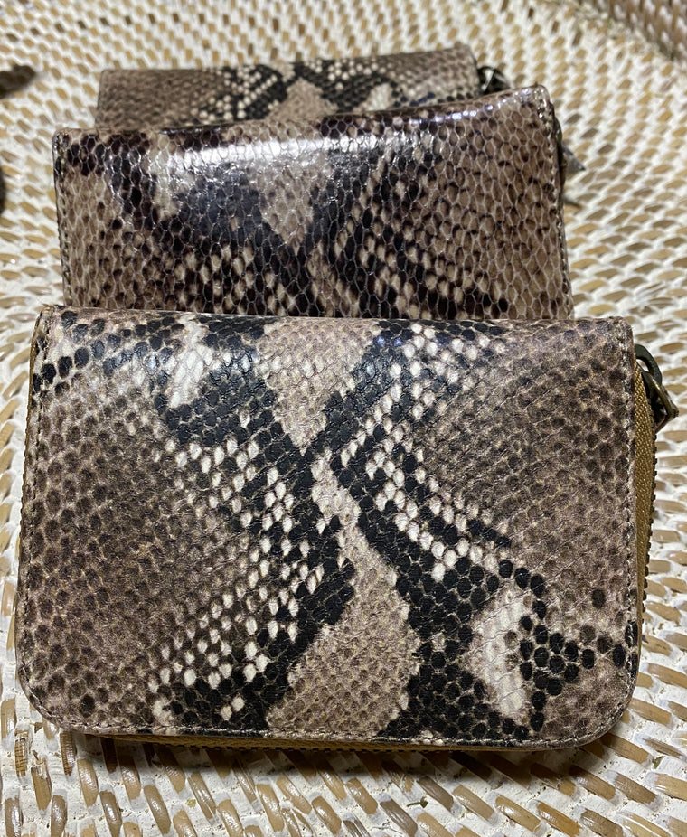 Womens Python Leather / Snake Skin Zippered Wallet from Bali - Available in 3 colors
