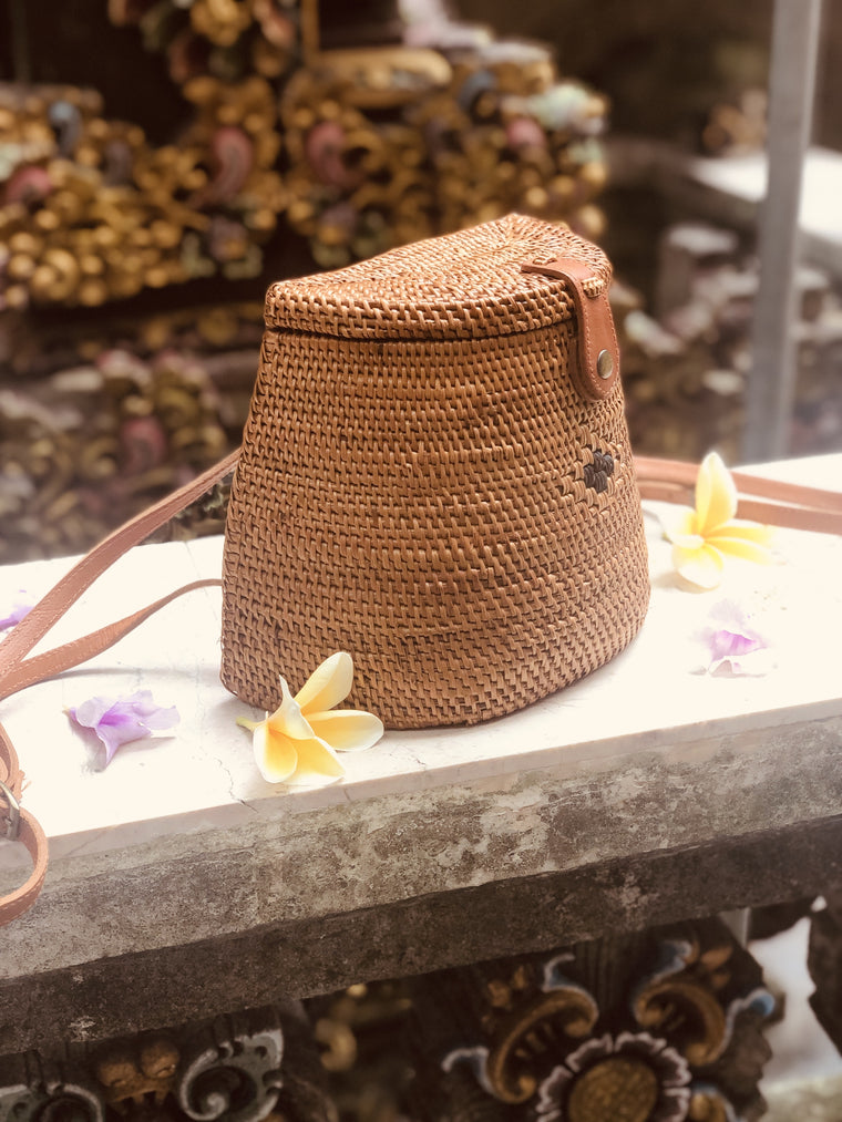 Hand Woven Ada Grass basket Back pack from Bali