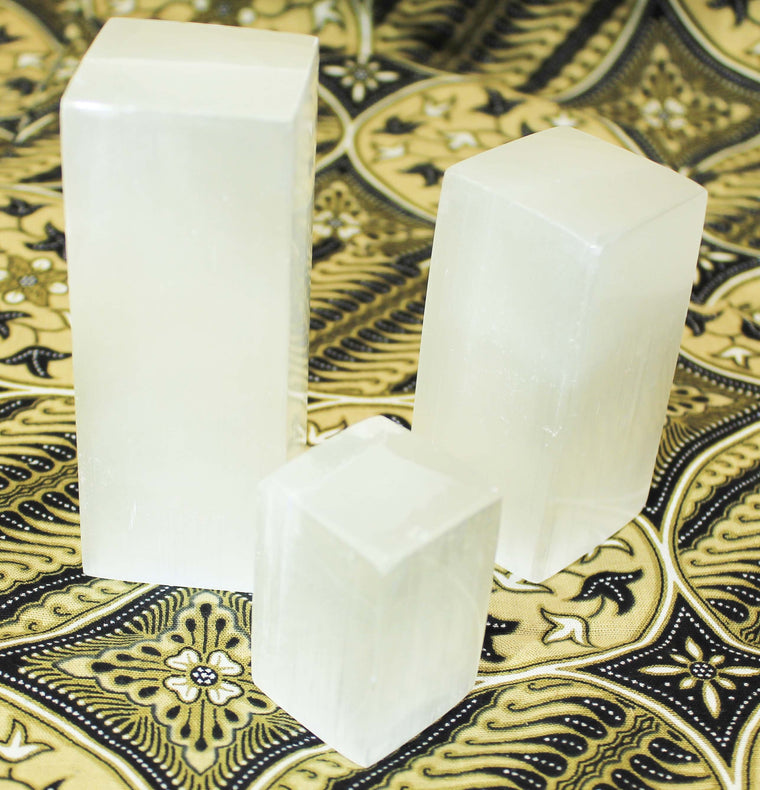 Selenite Towers rectagles cubes