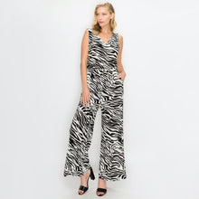 Load image into Gallery viewer, Long Jumpsuit with pockets