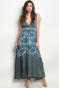 Sleeveless V-neck printed maxi dress.