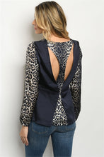 Load image into Gallery viewer, NAVY CHEETAH PRINT TOP