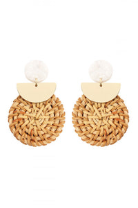 NATURAL RESIN WITH DROP RATTAN ORNAMENT POST EARRING