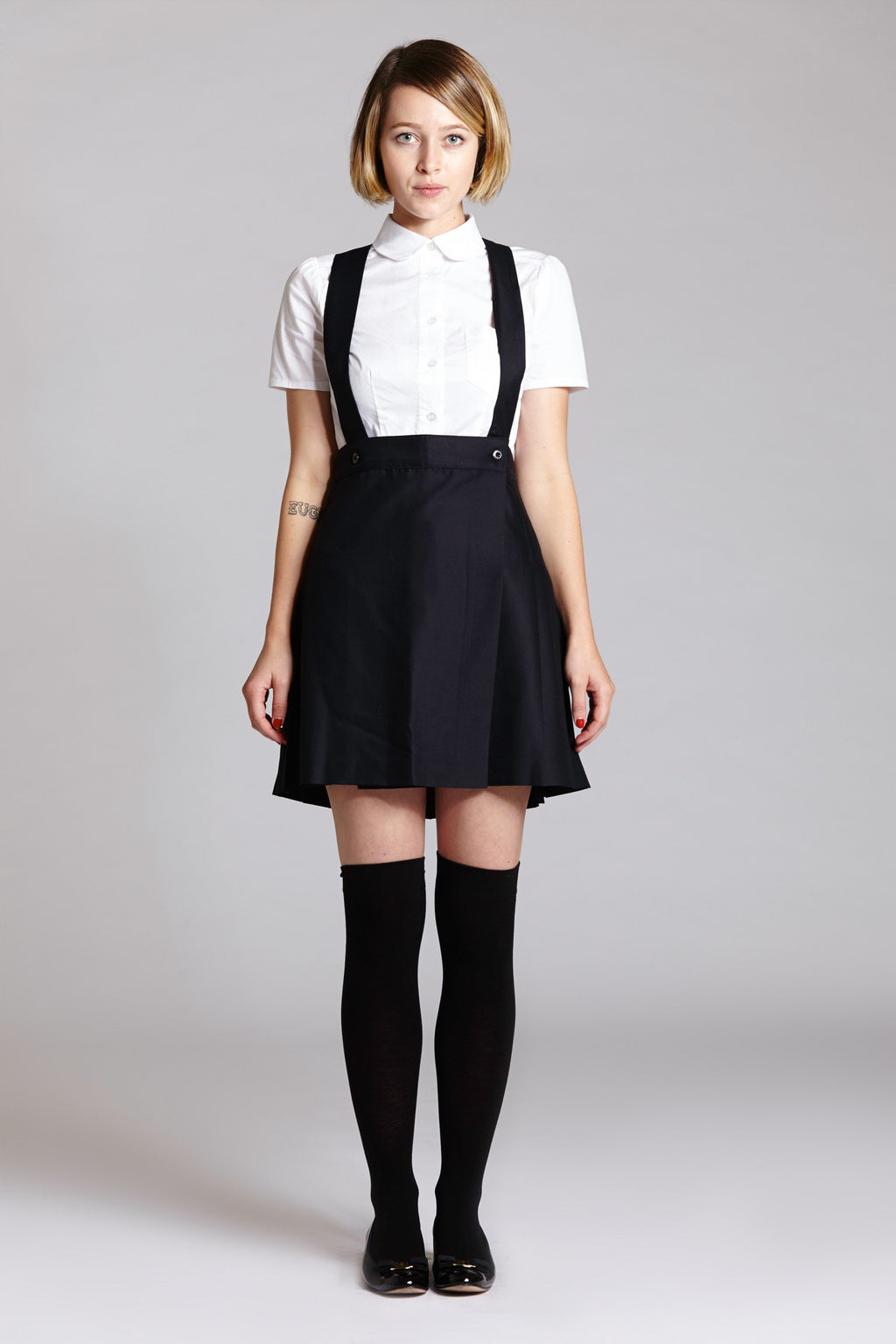 Pleated Suspender Skirt (Navy or Black) - L'école Des Femmes