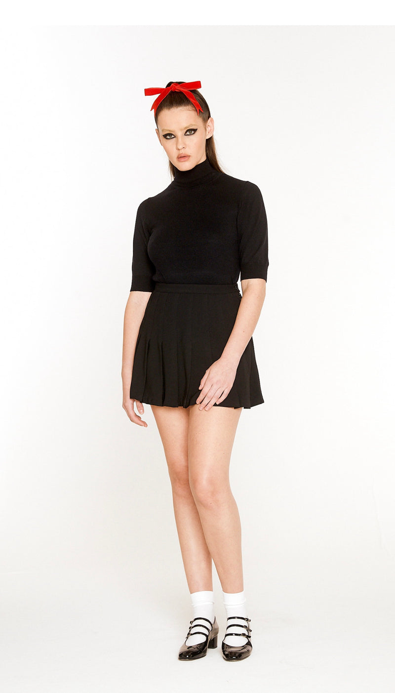 Black Crèpe Pleated Skirt