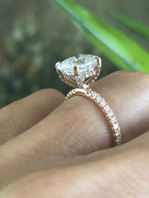 Forever One Moissanite Oval Diamond Engagement Ring 18kt Rose Gold