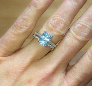 Aquamarine Cushion Cut Diamond Engagement 18kt White Gold