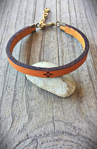 Leather Zia Symbol Bracelet in Cognac