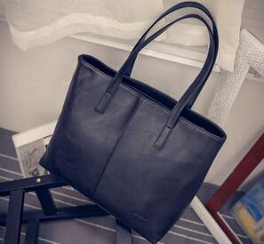 Large Scrub Leather Handbag - black