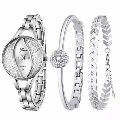 Women Flow Sand Diamond Bracelet Watch - Silver