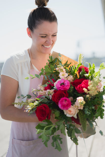 order fresh flowers from local florist in Sammamish, Washington