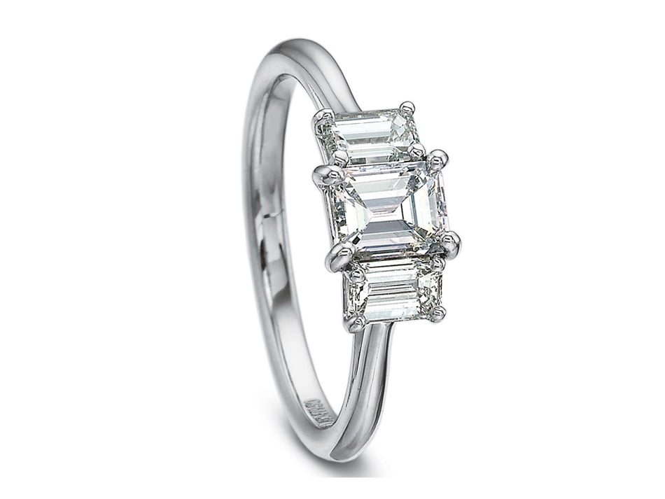 White gold and Emerald Cut Diamond Engagement Ring