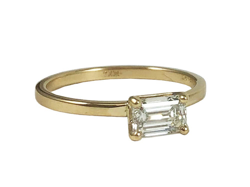 18K Yellow Gold and Diamond Solitaire Engagment Ring