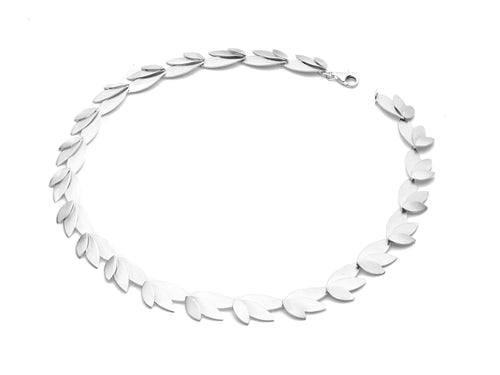 Silver Three-Leaves Necklace