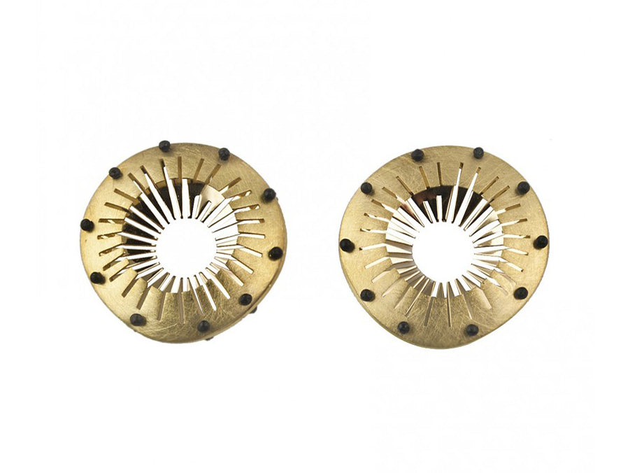 "18K Yellow Gold ""Tresor"" Stud Earrings"