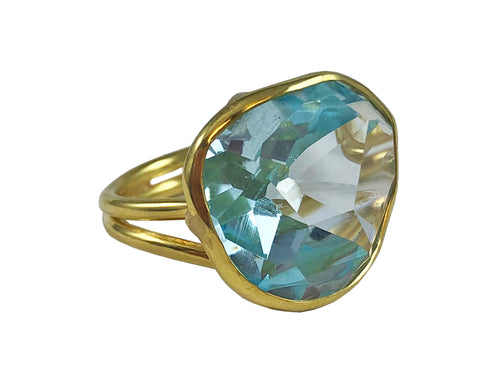 18K Yellow Gold and Aquamarine Ring