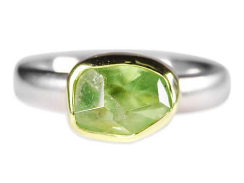 Oval-Shaped Green Quartz Ring