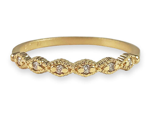 18K Yellow Gold and Diamond Slender Scalloped Wedding Band in Washington DC